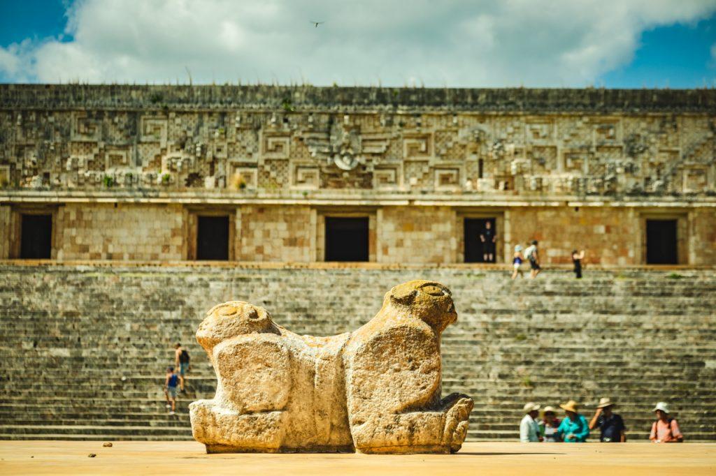 メキシコメリダにある世界遺産のウシュマル遺跡