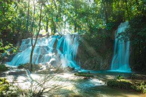チアパスで必見の滝アグア・アスール/青の世界へ【メキシコ】