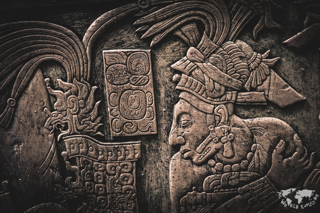 メキシコ チアパスにあるパレンケ遺跡のレリーフ