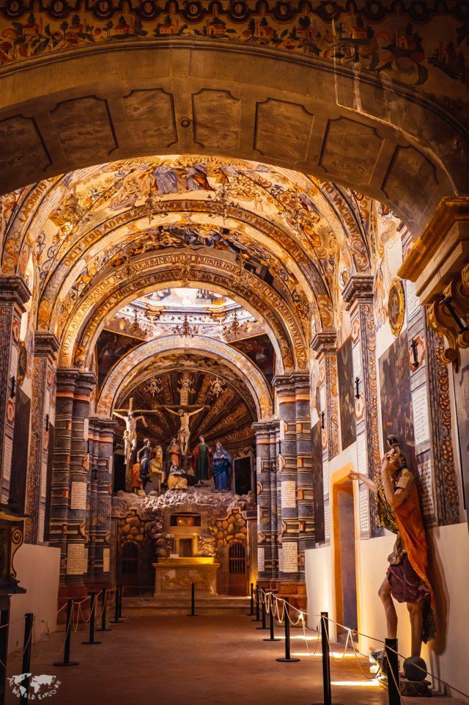 アトトニルコ教会の内部世界遺産