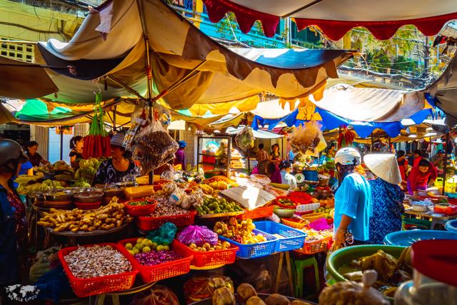 ベトナムホーチミンのローカルマーケット
