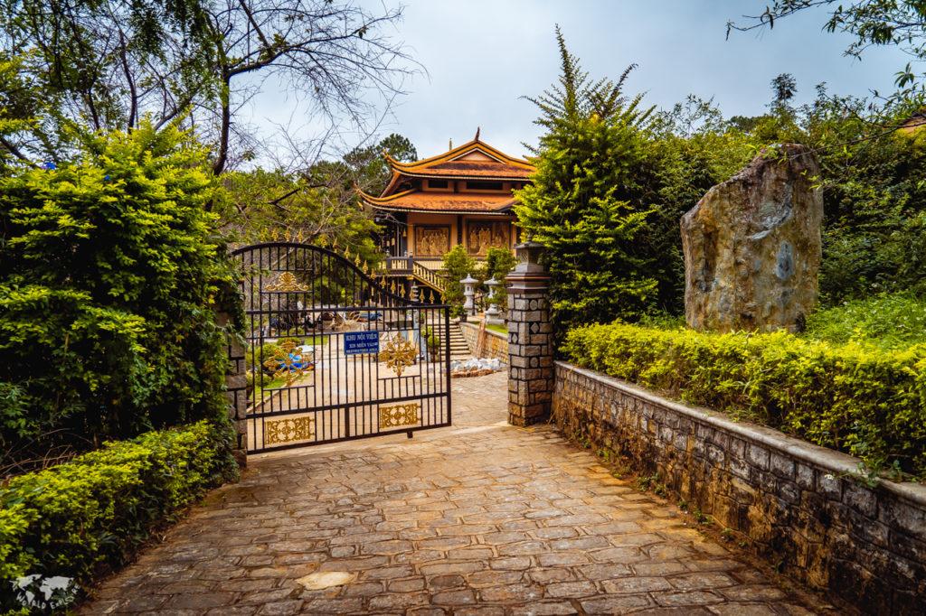 ベトナムダラットのお寺