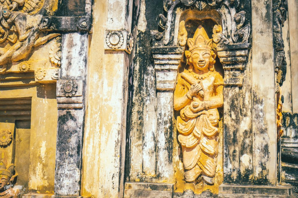 ラオスの世界遺産の仏塔that ing hang