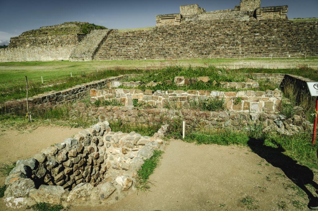 モンテアルバン遺跡の地下道
