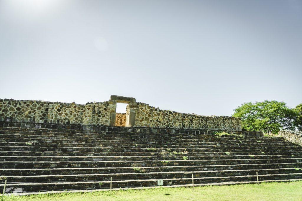 モンテアルバン遺跡の宮殿