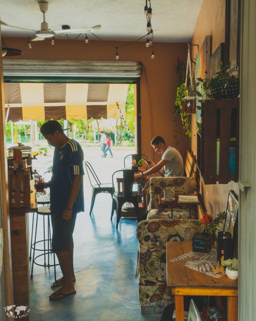 プエルトエスコンディードのカフェ