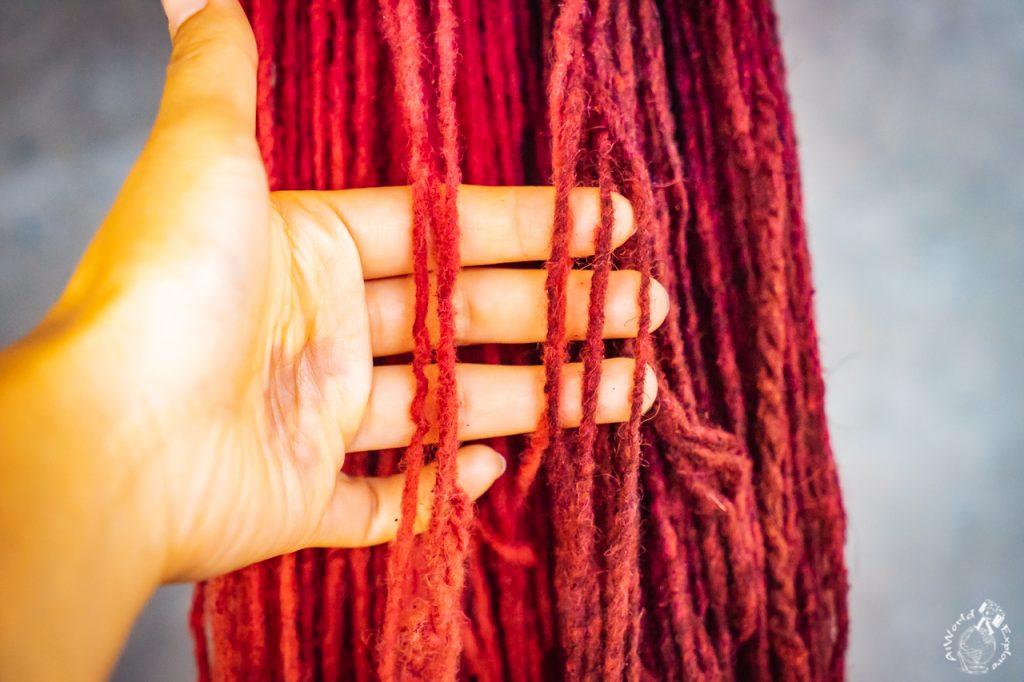 コチニージャで染めた真っ赤な糸