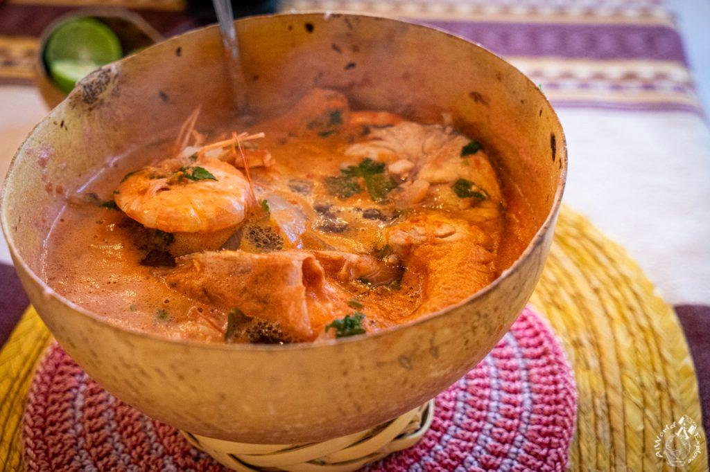 オアハカ伝統料理のカルドデピエドラ