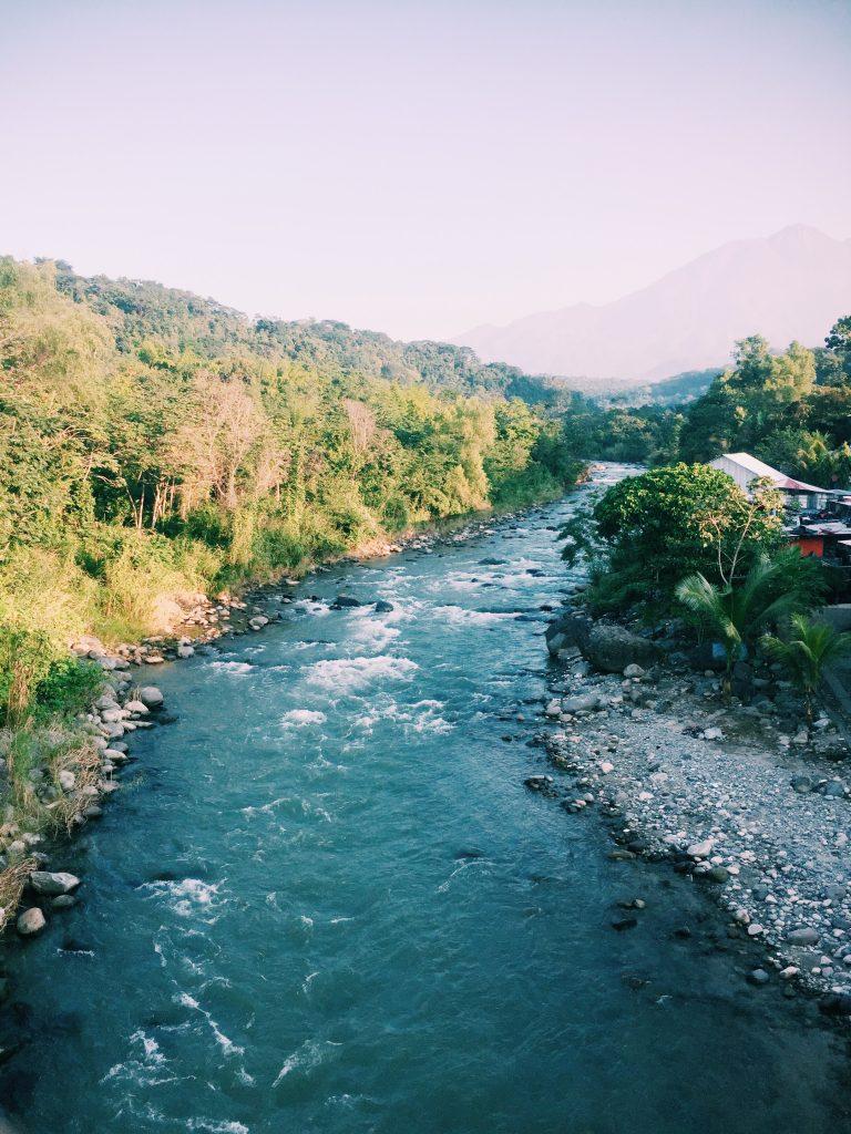 タパチュラのメキシコとグアテマラの国境風景