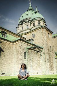 マリア大聖堂と女性