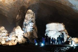 銀の町タスコで、世界最大級の洞窟へ Grutas Cacahuamilpa